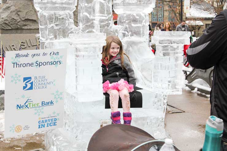 Carved-In-Ice-2018-Girl On Ice Throne